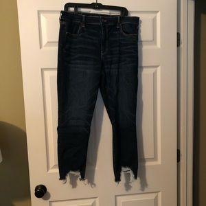 VGUC American Eagle Crop Jeans (18)